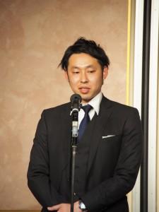 同社営業チーム・尾形氏。2年連続の受賞となり表彰会場は大いに沸いた